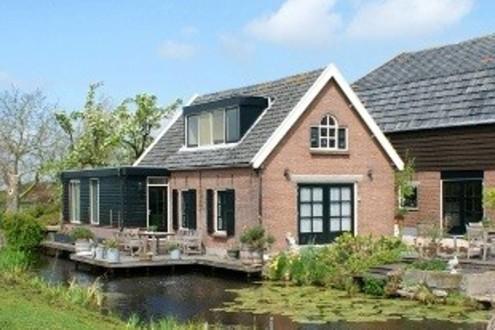 Koetshuis vrijstaand midden in de polder3