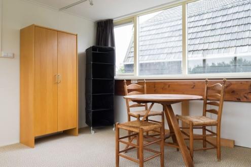 Koetshuis slaapkamer boven twee bedden3